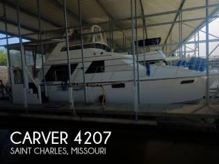 Carver 4207 Aft Cabin