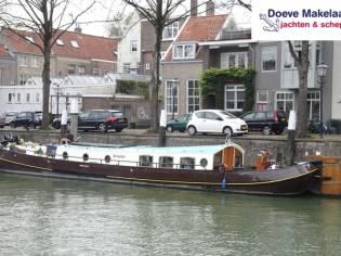 Dutch Barge / Motortjalk 18.55