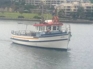 Custom Trawler 45' Charter