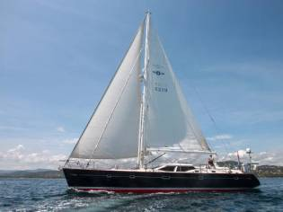 Oyster 62 Deck Saloon